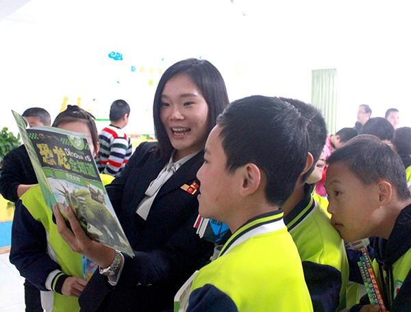 爱心图书捐赠,情暖残疾儿童